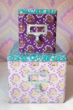 Tin boxes for the girls
