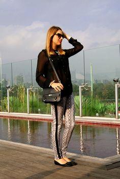 calça estampada + transparência - Carol Heinrichs, Toque de Neon http://toquedeneon.com