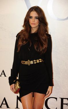 Clara Alonso- long-sleeved #LBD and #gold belt