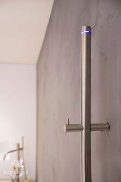 Elektrische RVS handdoekradiator, 172cm en een vermogen van 29 Watt! #badkamerstudio #badkamerstudiobreda #badkamerstudioutrecht