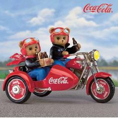 Biker with his girl in the sidecar. Pepsi, Coca Cola Ad, Always Coca Cola, Coca Cola Pictures, Coke Drink, Aluminum Can Crafts, Dr Pepper, Coco, My Favorite Things