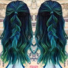 Bluish-greenish. Whatever, it looks amazing.