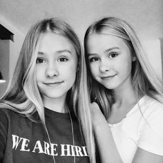 Image may contain: 2 people, people smiling, closeup Lisa Or Lena, Cute Makeup Bags, Ariana Grande, Twins, Sisters, Channel, Cute Outfits, Beautiful Women, T Shirts For Women