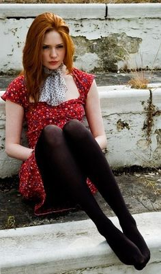 Red summer dress, LOVE this look and the talented Karen Gillan!