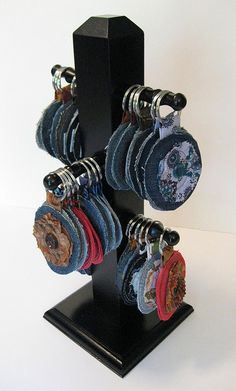 key chain rack by LynnMinneyDesigns, via Flickr  (cup holder as key chain holder)