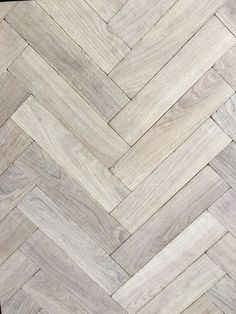 7 Advantages of White Oak Hardwood flooring Fresh white oak flooring contractor on this favorite site Wood Tile Kitchen, Hardwood Floors In Kitchen, White Wood Floors, White Oak Wood, Oak Hardwood Flooring, Wood Tile Floors, Grey Oak, Reclaimed Parquet Flooring, Dark Hardwood