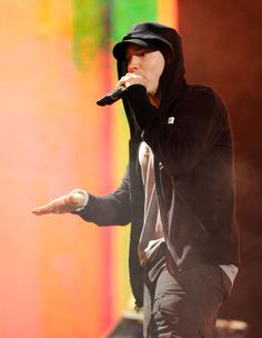 Eminem performs at Comerica Park, Yes I was there! I can die a happy women! Eminem Rap, Eminem Quotes, Marshall Eminem, Eminem Wallpapers, Best Rapper Alive, The Real Slim Shady, Eminem Slim Shady, Music X, Kid Ink