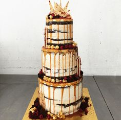 Semi-naked salted caramel & chocolate mud cake by Don't Tell Charles ~ we ❤ this! moncheribridals.com