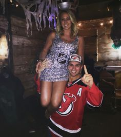 Couples Halloween Stanley Cup costume #couplescostume #stanleycup #halloween #njdevils