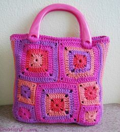 The modern granny squares crochet bag