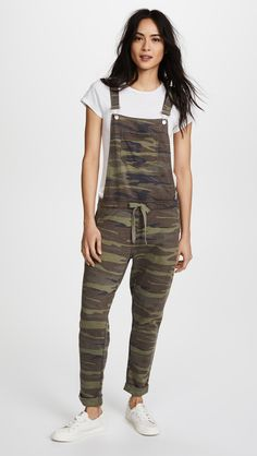 Looking for Z Supply The Camo Overalls ? Check out our picks for the Z Supply The Camo Overalls from the popular stores - all in one. Big Girl Fashion, Curvy Fashion, Look Fashion, Fashion Tips, Camo Fashion, Fashion Bloggers, Winter Fashion, Fashion Outfits, Shirred Dress