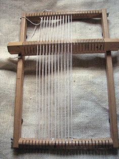 Magic Heddle Loom - also called German Loom Inkle Weaving, Inkle Loom, Weaving Art, Tapestry Weaving, Hand Weaving, Weaving Textiles, Weaving Patterns, Wedding Ring Quilt, Weaving Projects