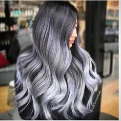 Trendy Hair Color Picture DescriptionA silver hair color is our future. That is why we have created a photo gallery featuring the sassiest looks with silver and we will also help you learn how to get and then how to maintain a super-chic silver hair hue. Balayage Hair Blonde Medium, Balayage Hair Caramel, Hair Color Balayage, Long Bob Curls, Dark Instagram, Colored Hair Tips, Silver Grey Hair, Corte Y Color, Beauty Bar