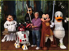 The new Star Wars attractions in Walt Disney World and Disneyland will be based on the new films, not the original or prequel trilogies. Star Wars Film, Ver Star Wars, Star Trek, Walt Disney, Disney Love, Disney Magic, Disney Style, Disney Theme, Disney Family
