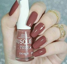 Want some ideas for wedding nail polish designs? This article is a collection of our favorite nail polish designs for your special day. Sns Nails Colors, Nail Polish Colors, Love Nails, Fun Nails, Acrylic Nails Natural, Almond Acrylic Nails, Almond Nails, Nagel Blog, Heart Nails