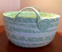 17 Best images about Coiled baskets Rope Basket, Basket Bag, Basket Weaving, Fabric Bowls, Fabric Rug, Do It Yourself Furniture, Basket Liners, Rope Crafts, Clothes Line