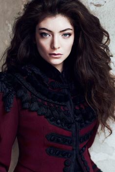 Lorde - Talk about eyes that you could get lost for eternity into. My goodness.