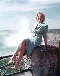 1953: Niagara publicity photo