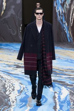 Look n°1 from the Louis Vuitton Fall/Winter 2014-2015 Fashion Show