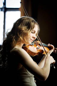 Violin Concertos for Intermediate Students Violin Senior Pictures, Senior Photos, Senior Portraits, Violin Photography, Musician Photography, Music Images, Music Photo, Music Love, Classical Music