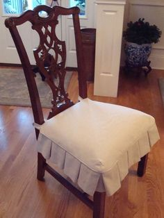 sillas tapizadas con chenille y passamaneria