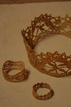 easy gold crows - lace, a little paint, and mod-podge: voila!