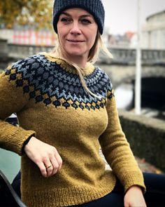 Ravelry: Treysta pattern by Jennifer Steingass Drops Paris, Nordic Sweater, Big Sweater, Curvy Petite Fashion, Icelandic Sweaters, Fair Isle Knitting, Sweater Design, Drops Design, Knit Or Crochet