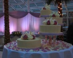 London, Millenium Glouchester Hotel, Valentine's day wedding cake | Flickr - Photo Sharing!