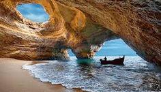 les grottes de Benagil tout près Praia do Carvoeiro, La plage de la Casa de Luz maison d'Hôtes de Thierry Virvaire