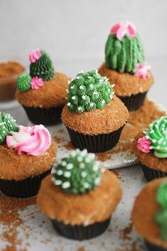 Kaktus Cupcakes, Succulent Cupcakes, Beautiful Cupcakes, Cute Cupcakes, Fruit Cupcakes, Vegan Cupcakes, Sand Cake, Plain Cookies, Cupcake Cake Designs