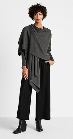 Shop women's casual clothing that effortlessly combines timeless, elegant lines with eco-friendly fabrics from EILEEN FISHER. Mode Outfits, Fashion Outfits, Womens Fashion, Eileen Fisher, Winter Mode, Lookbook, Classic Outfits, Fashion Over 50, Minimal Fashion