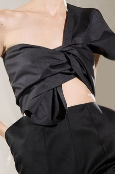 Fashion details | Comment: Fabric Manipulation. Maison Martin Margiela