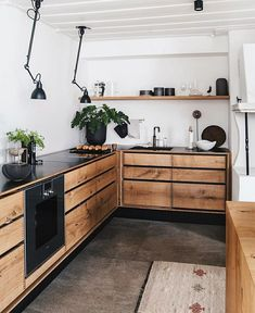 Kitchen Inspiration // Loft Interior The Perfect Scandinavian Style Home Industrial Kitchen Design, Industrial Design Furniture, Design Your Kitchen, Interior Design Kitchen, Industrial Kitchens, Loft Furniture, Interior Plants, Wooden Furniture, Loft Kitchen