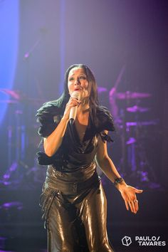Tarja Turunen live at Aula Magna, Lisboa, Portugal. The Shadow Shows, 04/11/2016 #tarja #tarjaturunen #theshadowshows #tarjalive PH: Paulo Tavares http://www.paulot.com/blog for Arte-factos http://www.arte-factos.net/reportagem/tarja-na-aula-magna-04112016/