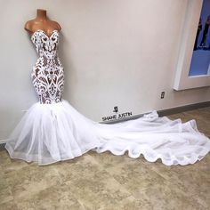 Thousands of pictures of sequin prom dresses and gowns. Prom Girl Dresses, Prom Outfits, Dream Wedding Dresses, Homecoming Dresses, Bridal Dresses, Cute Dresses, Beautiful Dresses, Wedding Gowns, White Prom Dresses