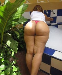 Big Butts Wide Hips Mature woman and Nudists