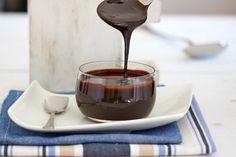Glaseado de chocolate. Te cuenta todos los secretos para prepararlo el autor del blog Bavette. Encontrarás otras maravillosas recetas en su Facebook https://www.facebook.com/recetabavette.