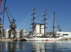 http://fdra-naval.blogspot.com.es/2015/08/primer-buque-escuela-vela-vietnamita.html?m=1