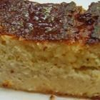 Pastel de Elote is a delicious, moist Mexican cake from Jalisco made with fresh fresh sweet corn kernels and sweetened with condensed milk. Mexican Corn Cakes, Mexican Main Dishes, Mexican Sweet Breads, Mexican Bread, Real Mexican Food, Mexican Dessert Recipes, Mexican Potluck, Mexican Pastries, Food Cakes