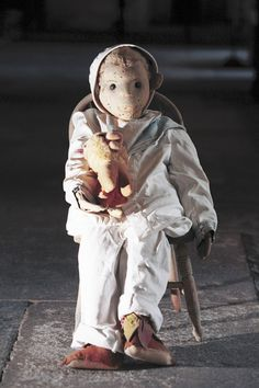 robert-the-doll-One of the most haunted artifacts in history. Check out the most haunted places here.