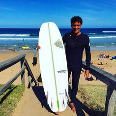 Depois de 10 dias de trabalho intenso com turnos de 12 horas hoje foi dia de folga. Deu até pra dar um mergulho em Jan Juc com esse objeto exótico. After 10 days of hard work with 12 hours shifts  today was a day off. I even had the chance to surf at Jan Juc with this exotic stick. #surfe #almalavada #tomo #evo #janjuc #victoria @canalwoohoo @ripcurl_brasil by brunobocayuva http://ift.tt/1X8VXis