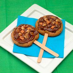 Super Candy Bar Cookie Pops