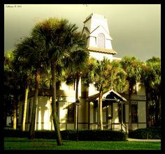 picture I took in 2007 of an old building at Stetson University in Deland, FL
