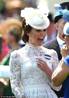 Kate Middleton joins Queen and William at the Royal Ascot Prince William Et Kate, Kate Middleton Prince William, William Kate, Duke And Duchess, Duchess Of Cambridge, Style Kate Middleton, Duchesse Kate, Princesa Kate Middleton, Kate And Meghan