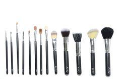 Win years supply of Ayu Make Up brushes - http://www.competitions.ie/competition/win-years-supply-of-ayu-make-up-brushes-2/