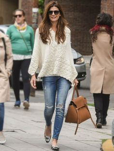 The first lady of Argentina is always stylish Casual Chic, Look Casual, Style Casual, Casual Outfits, Fashion Over 50, Look Fashion, Fashion Outfits, Womens Fashion, Look Boho
