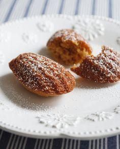 Best Pumpkin Madeleines Recipe - The Yellow Table Macarons, Baking Recipes, Cookie Recipes, Dessert Recipes, Tea Recipes, Tea Cakes, Book Cakes, Best Pumpkin, Pumpkin Spice