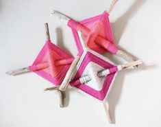 Yarn crafts For Teens - 10 Awesome Summer Craft Projects for Kids (& Teens Weaving Projects, Craft Projects For Kids, Crafts For Teens, Arts And Crafts, Diy Projects, Eye Mandala, Yarn Crafts, Diy Crafts, Girl Scout Camping