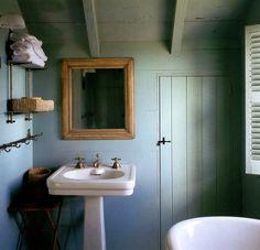 Bathroom Box, Guest Bathrooms, Bathroom Kids, Small Bathroom, Country Baths, Walnut Timber, Vintage Interiors, Beautiful Bathrooms, Bathroom Inspiration