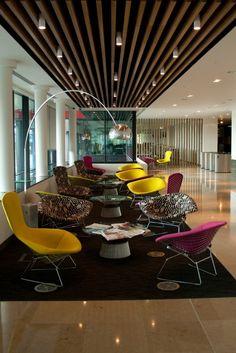 Espace détente colorée et confortable